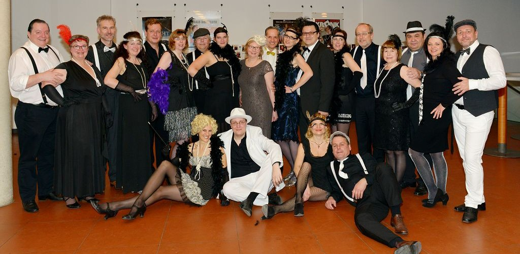 Gruppenbild beim Ball der Tanzharmonie 2016. Danke an das Fotostudio Brunner.
